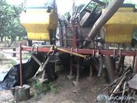 Cultivador adubador