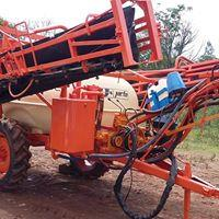 Pulverizador 600 litros manual Bijet 12 metros