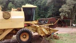 COLHEITADEIRA NH 4040