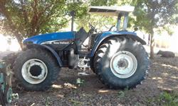 Trator Ford/New Holland TM 150 4x4 ano 03