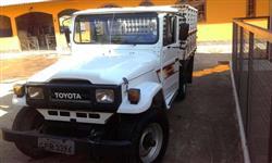 Toyota Bandeirante, Ano 94. Branca. 4x4.