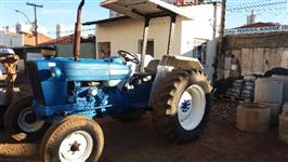Trator Ford/New Holland 4600 4x2 ano 81