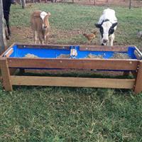 Cocho  móvel para bovinos, equinos e outros.