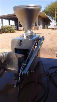 Embutideira a vácuo inox Modelo ECV-250/4