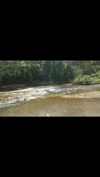 Chácara à beira do rio cipó