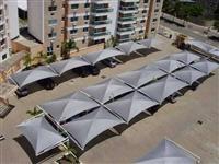 Sombreadores e coberturas para estacionamentos