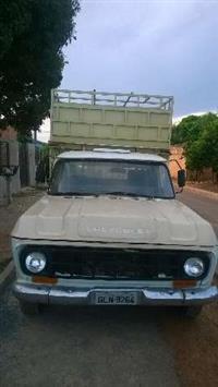 Caminhão Chevrolet D10 Boiadeira ano 84