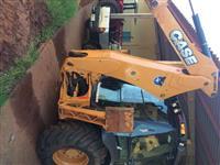 Trator Case Retroescavadeira CASE - Cabinada 4x4 ano 13