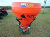 Sameadeira de adubo , sementes e calcareoi  Incomagri 600P para 900 Kilos
