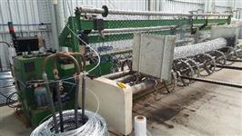 Máquina automática para fabricação de alambrados e telas de arame