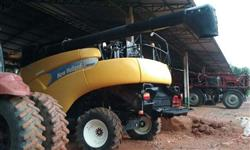 Vendo Colheitadeira New Holland CR 9060 ano 09