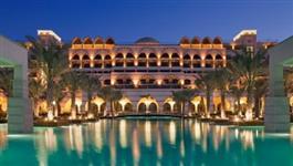 Hotéis de luxo a venda e outros grandes negócios