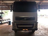 Caminhão Volvo fh520 ano 11