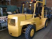 Empilhadeira Hyster 150 Diesel 7 tn