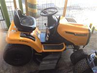 Trator Cortador de Grama Poulan Pro 17,5 hp
