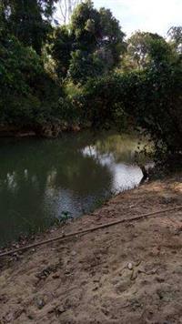 vendo sitio na regiao de tres marias-mg casa semi acabada na beira lago extrema 2 hectares