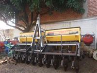 Plantadeira Baldan PP Solo 4000 com 9 Linhas - Ano: 2003
