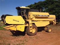 Colheitadeira NH TC 57 - Ano: 1995