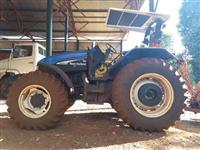 Trator New Holland TS 110 4x4 ano 06