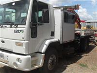 Caminhão Ford C 1317e ano 5