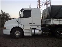 Caminhão Volvo NH12 380 ano 00