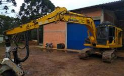 Harvester Conjunto de Cabeçote Logomax 5000D e Escavadeira PC160