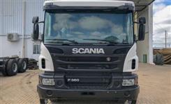 Caminhão Scania P360 B 6x4 CS ano 16