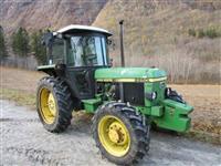 Trator John Deere 2250 4x4 ano 87