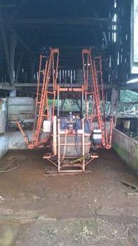 Pulverizador jacto 600 litros barra hidráulica e marcador de linha