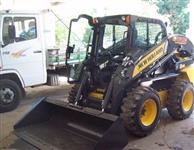 Mini Carregadeira New Holland L225