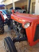 Trator Massey Ferguson 55 X 4x2 ano 55