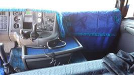 Caminhão Scania G400 ano 04