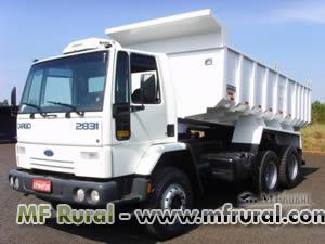 Agregamos caminhões basculantes traçados e carretas basculantes