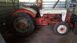 Trator Massey Ferguson 50 X 4x2 ano 51