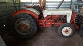 Trator Ford 4x2 ano 51 Raridade