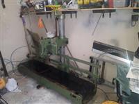 Máquina de costura boca de saco Mariza FE 200 com esteira
