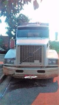 Caminhão Volvo 360 ano 94
