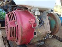 Vende-se Motor GX 390 Honda 13 Hp, equipado com bomba THS 18  para irrigação!!