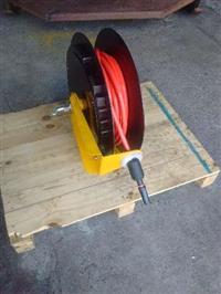 Carretel automatico(retrátil) para enrolamento de mangueiras