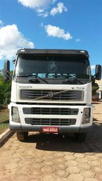 Caminhão Volvo FM 12 380 ano 06