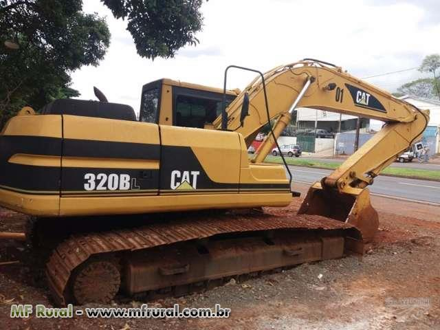 ESCAVADEIRA/CAT 320 BL
