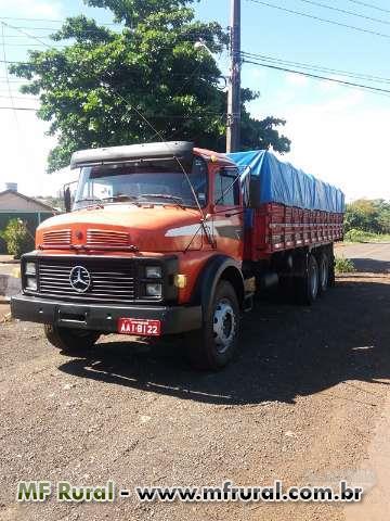 Caminhão Mercedes Benz (MB) 1315 ano 89