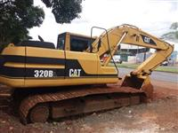 ESCAVADEIRA CATERPILLAR 320 BL