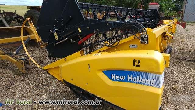 New Holland TC5090 equipada com plataforma de 25 pés