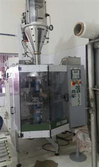 Linha para misturar e embalar pó com ribbon blender e empacotadora Indumak MG1000 FP1000