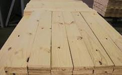 Serraria com fornecimento de pinus serrado para Constr. civil. tabuas, sarrafos e pontaletes