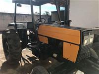 Trator Valtra/Valmet 685 4x2 ano 01