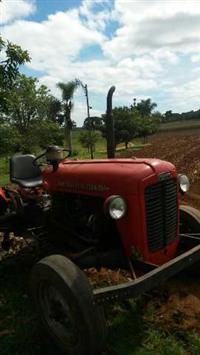 Trator Outros Massey Ferguson 4x2 ano 50