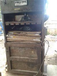 prensa para reciclados cap. 20 toneltados fardos até 300 kg