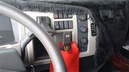 Caminhão Volvo VM330 ano 13